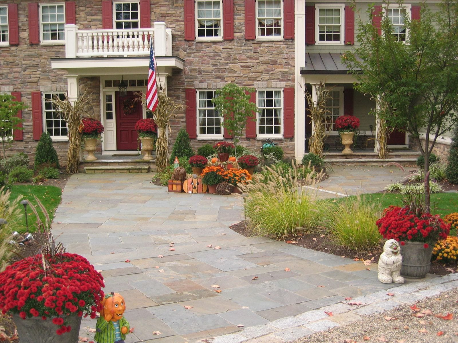Landscaping, fall, mums,