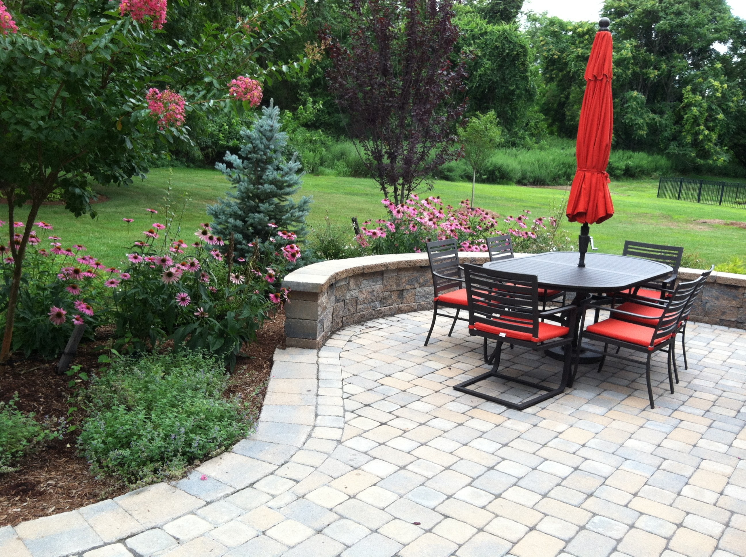 paver block seat wall
