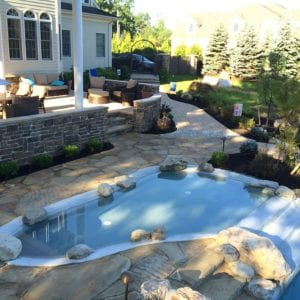 cultured stone retaining wall