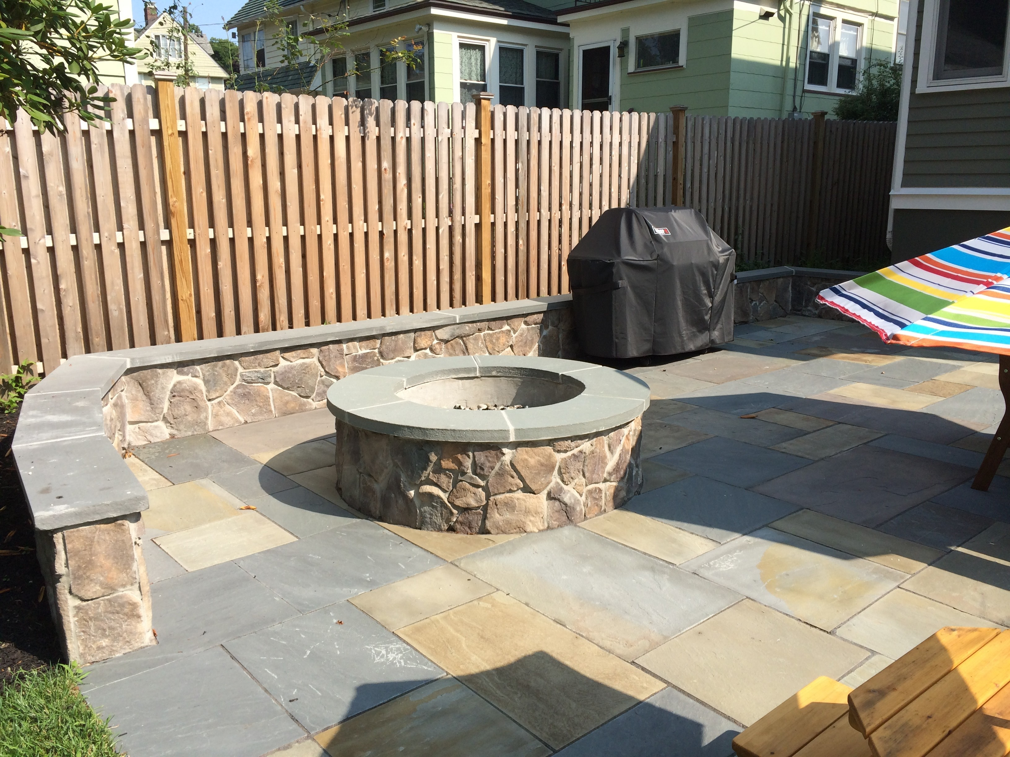 cultured stone seat wall