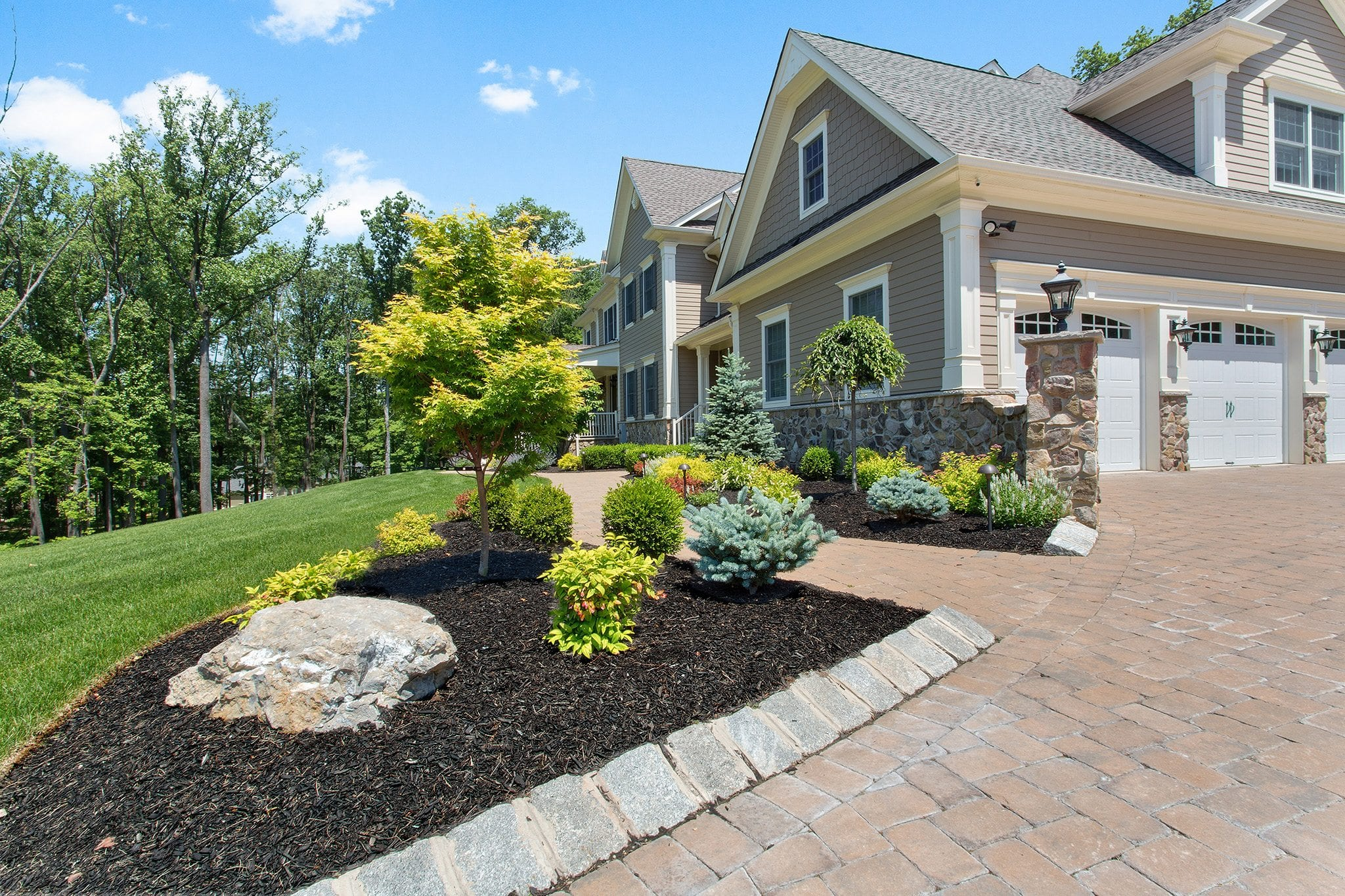 5 Unique Front Yard Landscape Ideas for Your Somerset County Home